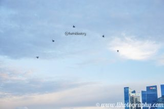 Awesome to see the 5 fighter jets, just like the 5 stars on the Singapore flag... Do follow @lihotography for more of such nice photos! #lihotography #adobe #lightroom #adobelightroom #thersaf #rsaf #republicofsingaporeairforce #singaporeairforce #singapore #airforce #nationalday2018 #ndp18 #nationalday #aviation #aviationphotography #photography #sony #sonyalpha #alpha #sonya6500 #a6500 #sel1670z #zeiss #carlzeiss #variotessar #sonyvariotessar